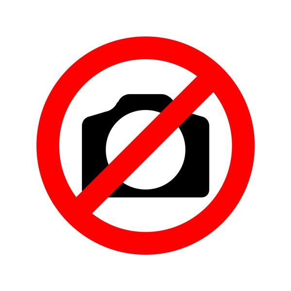 Duta damai Media Kaltim saat pembagian stiker unik berisi rentang perdamaian dan anti hoax di GOR Segiri Samarinda